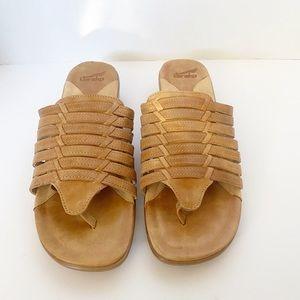 Dansko tan sandals sz 40